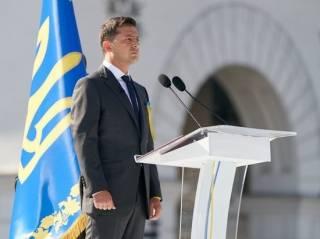 Зеленский поручил правительству отпраздновать День Независимости в условиях карантина