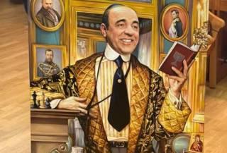 С Торой, православной иконой, Николаем II и Шевченко: Кива подарил Рабиновичу картину