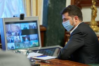 Зеленский провел очень закрытое заседание по ситуации в Беларуси