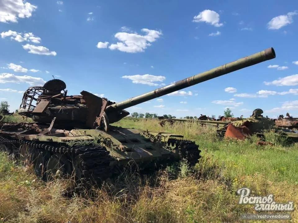 Склад сгоревшей военной техники в с. Синявское Ростовской области