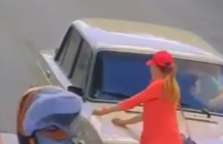 Появилось видео, как автомобиль сбил женщину с коляской под Харьковом