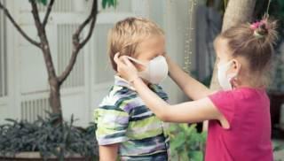 ООН и ВОЗ рассказали, с какого возраста детям следует надевать медицинские маски