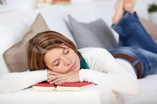 Ученые объяснили, чем опасен дневной сон