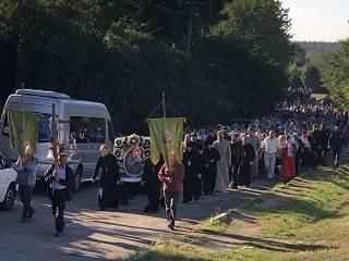 На Виннитчине сотни верующих УПЦ прошли крестном ходом с Зиновинской иконой Богородицы