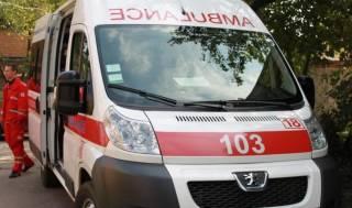 В Киеве из окна высотки выпала женщина. Спасти ее не удалось