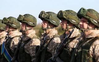 На фоне протестов в Беларусь направляются войска из России и Сербии