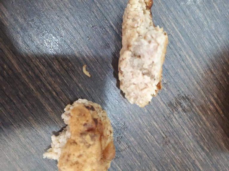 Ужасная еда из ланч-боксов, которые выдают школьникам на период карантина