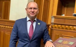 «Слуга народа» предложил оставлять не привитых украинцев без образования и работы