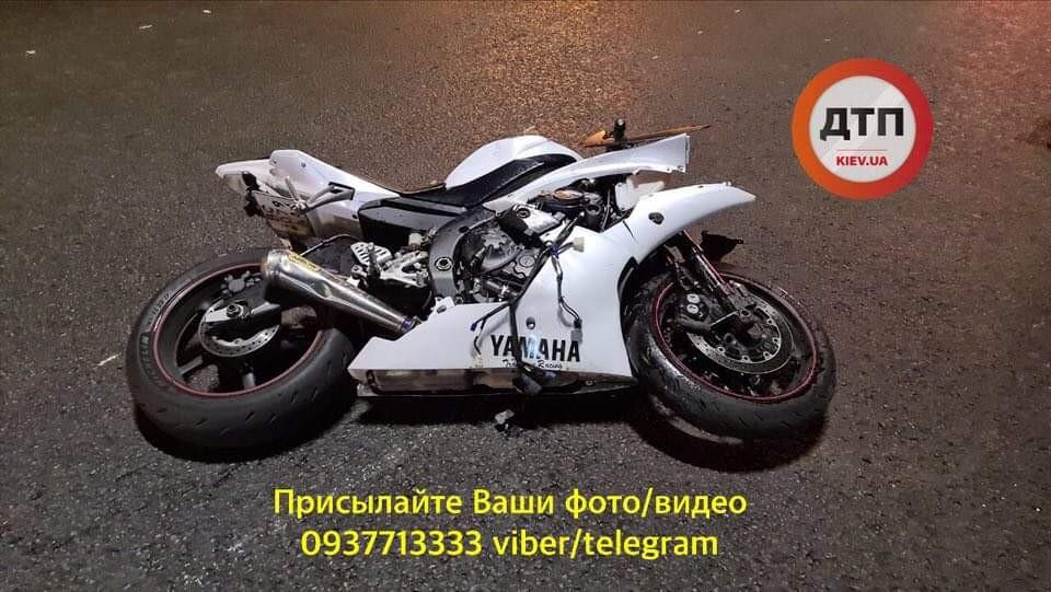 Смертельное ДТП с мотоциклом Yamaha на Отрадном массиве в Киеве