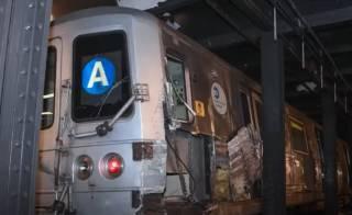 Появилось видео с места крушения метро в Нью-Йорке: полиция винит во всем бомжа