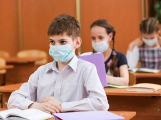 Украинским школам разрешили отказаться от оценок на время карантина