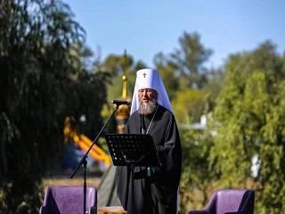 Митрополит Антоний: Украинская Православная Церковь не просит оружия для войны, а просит Бога о мире