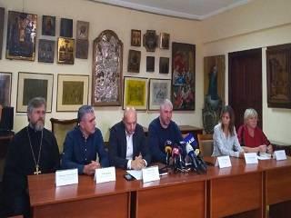 Нужно восстановить экономику Донбасса и «перебить»  деньги, которые люди зарабатывают на войне – пресс-конференция «Люди мира»