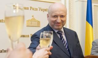 Беги, Турчинов, беги: когда самозваного «патриота» призовут к ответу за сдачу Крыма?