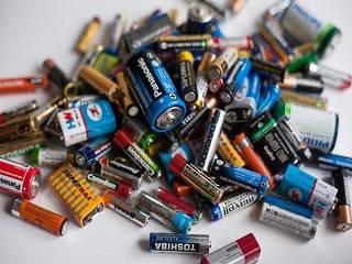 В Запорожье в рамках экологической акции УПЦ утилизировала 200 кг батареек
