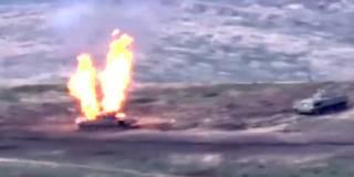 Армения уничтожила бронетехнику Азербайджана в Нагорном Карабахе. Появилось впечатляющее видео