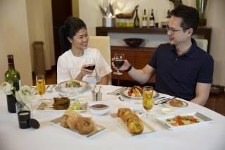В Сингапуре запустили в небо очень необычный ресторан