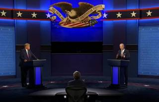 «Щенок Путина» против «куска д*рьма»: Трамп и Байден провели яростные дебаты