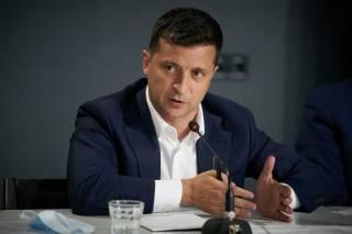 Зеленский отказался связывать пожары на Луганщине с обстрелами боевиков