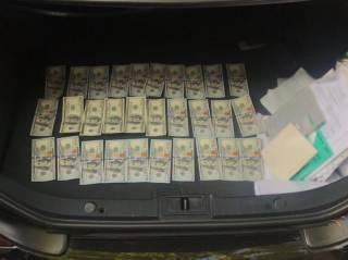 В Киеве мошенники обещали мужчине должность помощника нардепа за $18 тысяч