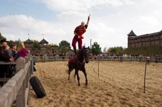 Под Киевом завершился фестиваля конно-трюкового искусства «Кентавры»