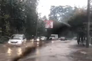 Ливень затопил один из украинских городов