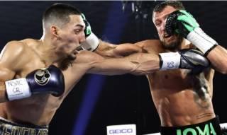 Ломаченко проиграл Лопесу по очкам и потерял все свои боксерские пояса