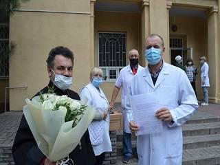 В Запорожье УПЦ передала детскому отделению противотуберкулезного диспансера дорогостоящее оборудование