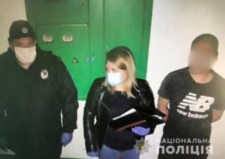 На Прикарпатье пьяный мужик открыл стрельбу с балкона