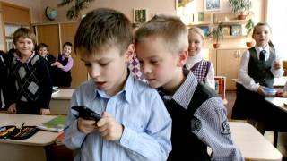 В украинских школах могут запретить пользоваться смартфонами