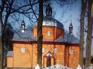 На Ровенщине суд отказался выселять священника УПЦ из церковного дома
