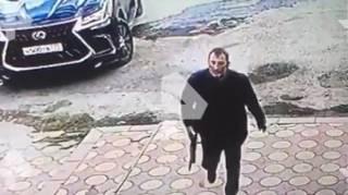 В России хладнокровно расстреляли бойца ММА. Момент убийства попал на видео
