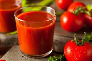 Как оказалось, томатный сок очень полезен для сердца
