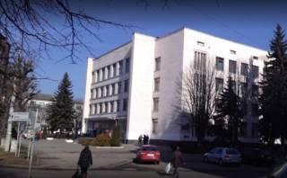 В Луцке наблюдатель на местных выборах вышел в окно после закрытия участка