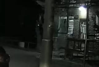 Появилось видео, как киевский велосипедист влетел в остановку