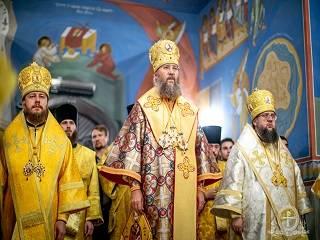 Во всех храмах УПЦ в день 30-летия независимости Церкви совершили праздничные литургии
