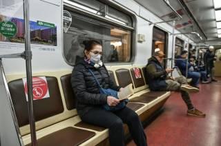 Отныне в Киеве в метро без маски не попасть
