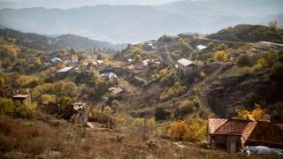 Армения официально отказалась от территорий в Нагорном Карабахе, Россия вводит миротворцев
