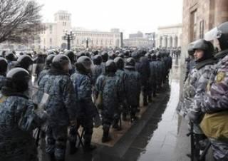 В Армении не утихают протесты. Оппозиция поставила премьеру очередной ультиматум