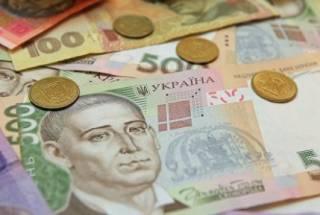Курс гривны немного окреп в начале недели: котировки валют