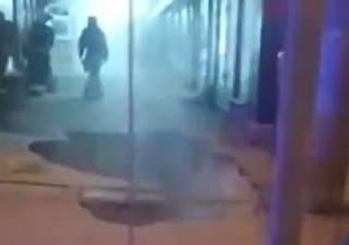 Опубликовано видео эпичного провала асфальта на харьковском рынке