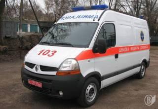На Сумщине перед входом в больницу умерла женщина с подозрением на коронавирус