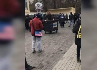 Разъяренная толпа устроила расправу над директором стадиона в Чернигове