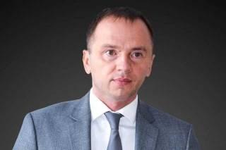 Зеленский обещал «новые лица», но во власти оказались чиновники времен Януковича и Порошенко, — политолог Олег Постернак