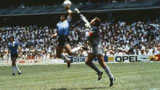 Вратарь, которому Марадона забил тот самый гол рукой, резко высказался о покойном аргентинце