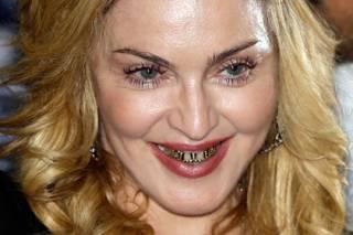 Пользователи соцсетей опечалились «смертью» Мадонны, перепутав ее с Марадоной