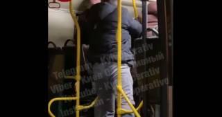В киевской маршрутке пассажиры подрались из-за отсутствия маски у одного из них