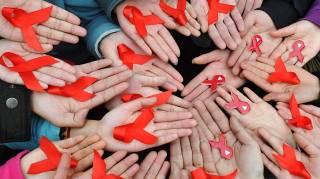 Что такое ВИЧ, чем он отличается от СПИДа, и как не заразиться
