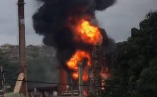 В Африке эпично взорвался нефтеперерабатывающий завод