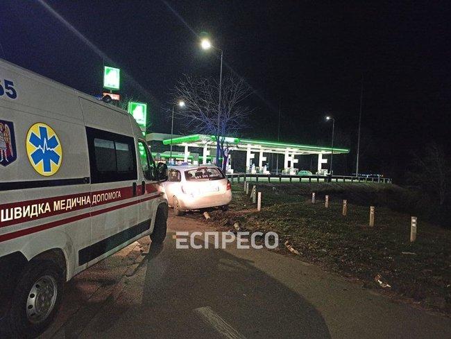 Место ДТП такси, водитель которого умер за рулем в Киеве
